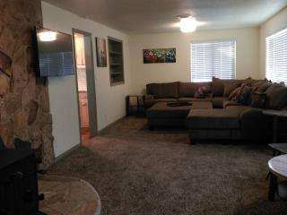 Experience Utah, newly remodeled 4 bd 2 ba home. - Huntsville vacation rentals