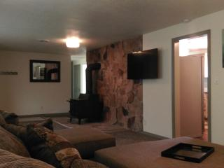 Experience Utah, newly remodeled 4 bd 2 ba home. - Huntsville vacation rentals
