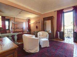 Two bedroom aparment with Terrace in Santa Croce - Florence vacation rentals
