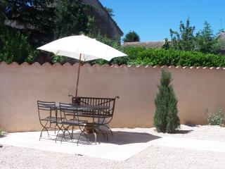 Charming House with DVD Player and Microwave - La Truchere vacation rentals