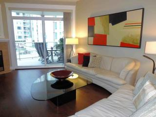 Wow! 1560 sq. ft suite  2 bed plus double bed in den with french doors .Kelowna - Kelowna vacation rentals