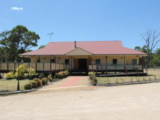 """Radiance on Lyra """"Tranquility"""" - Stanthorpe vacation rentals"""