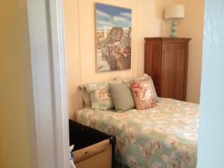 Sunny 3Br beach block 1st floor condo - Rehoboth Beach vacation rentals