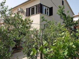 Cozy 2 bedroom Preko Condo with Internet Access - Preko vacation rentals