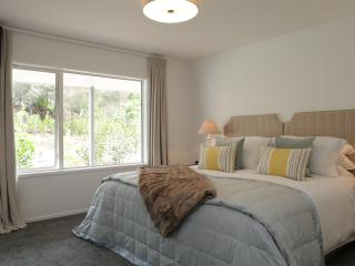 Beautiful 2 bedroom Guest house in Kerikeri with Internet Access - Kerikeri vacation rentals
