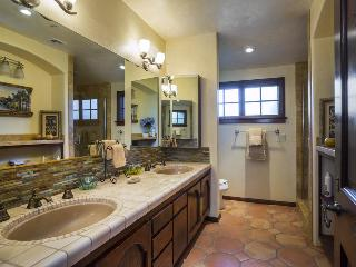 Sprawling estate with 4 bedrooms in Carpinteria - Toro Canyon Hacienda - Carpinteria vacation rentals