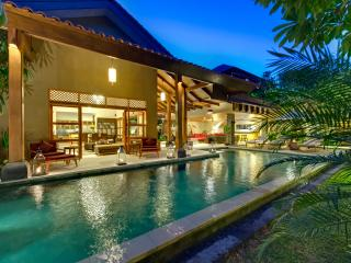 Exquisite 3 Bedrooms Private Villa Seminyak - Seminyak vacation rentals