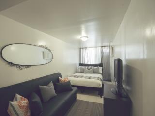 Moblat 6 Amazing Studio Near Manhattan - Long Island City vacation rentals