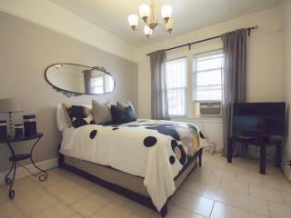 Moblat 7 Spacious And Surprising Duplex In Astoria - Astoria vacation rentals