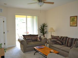 Wonderful Lake Marion home in a peaceful community - Poinciana vacation rentals