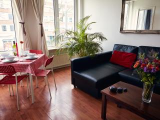 Bright 2 bedroom Apartment in Amsterdam with Internet Access - Amsterdam vacation rentals