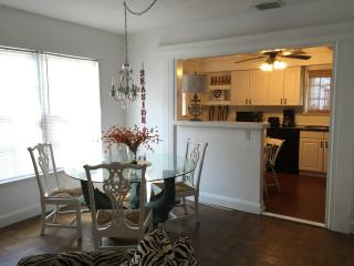 Charming House with Internet Access and A/C - West Palm Beach vacation rentals
