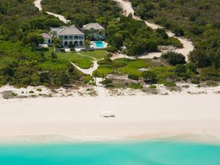 Nice 5 bedroom Grace Bay House with Shared Outdoor Pool - Grace Bay vacation rentals