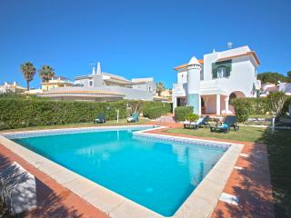 Villa Jade - 4 Bedroom Villa Very Near the Old Village - Vilamoura vacation rentals