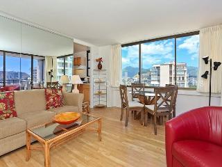 Corner Unit with washer/dryer,  full kitchen, WiFi, pool & parking! - Waikiki vacation rentals