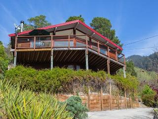 Cozy two bedroom home with expansive ocean views - Hohwacht vacation rentals