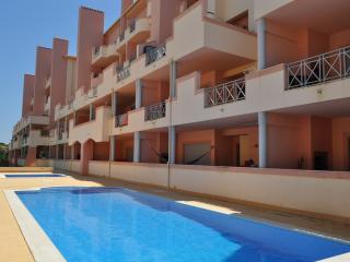 Sol Nascente, ótimo apartamento com piscina - Albufeira vacation rentals