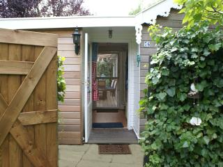 Beautiful Chalet with Internet Access and Wireless Internet - Vinkeveen vacation rentals