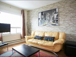 Nice 2 bedroom Montreal Apartment with Internet Access - Montreal vacation rentals