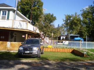 Home away from home !  Pet & handicap friendly. - Tweed vacation rentals