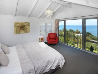 Designer Waiheke Island house - stunning sea views - Oneroa vacation rentals