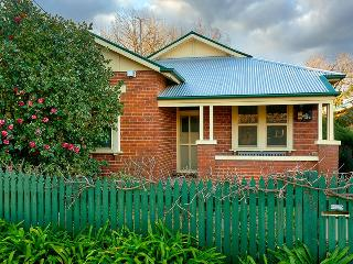 Nice 4 bedroom Albury House with A/C - Albury vacation rentals