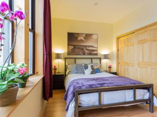 *AUDUBON* Sunny One Bedroom Apartment - ALL NEW!! - New York City vacation rentals