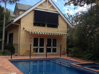 Nice Lodge with Internet Access and A/C - Springwood vacation rentals