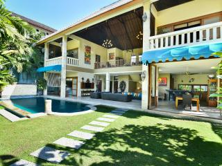 VILLA MYSTIQUE 3BR 5MIN TO BEACH & SEMINYAK SQUARE - Seminyak vacation rentals