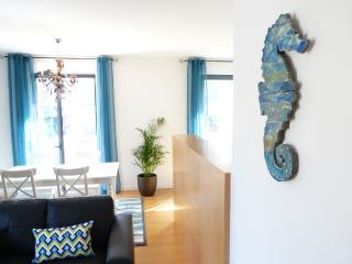 Cozy 2 bedroom Lisboa Apartment with Internet Access - Lisboa vacation rentals