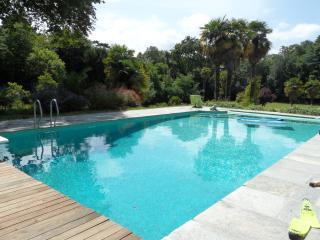 MAISON T3 dans propriété ,piscine,centre ville - Saint-Malo vacation rentals