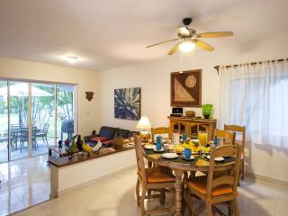 Executive Room B&B Dolce Vita Caribe E8 - Playa del Carmen vacation rentals