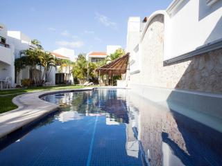 Beautiful Caribbean Pool Villa E8 - Playa del Carmen vacation rentals