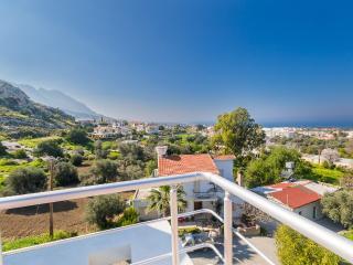 Cozy Apartment in Alsancak, Kyrenia - Alsancak - Karavas vacation rentals