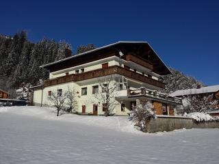 Gästehaus Hauser / Ferienwohnungen & Zimmer - Bach im Lechtal vacation rentals