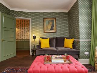 Beautiful 2 bedroom with garden - Notting Hill - London vacation rentals