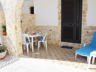 Bilocale Il Mare a 200 mt dalla spiaggia - Torre Chianca vacation rentals