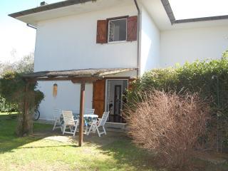 Villino indipendente in trifamiliare - Sabaudia vacation rentals