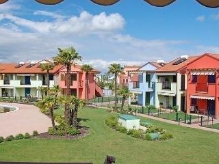 Comfortable 2 bedroom Condo in Aprilia Marittima - Aprilia Marittima vacation rentals