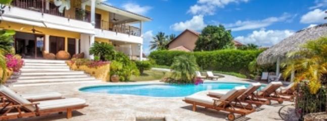 Excellent 5 Bedroom Villa in Casa de Campo - Image 1 - La Romana - rentals