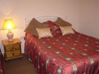 Causeway Tavern B&B - Triple Room - Lisnagunogue vacation rentals