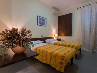 B&B Casa Cosmano - Camera Doppia - Brancaleone vacation rentals