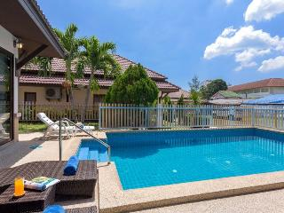 3 bedroom House with Housekeeping Included in Karon - Karon vacation rentals