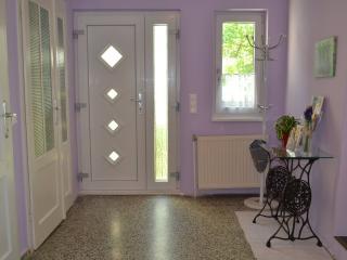 Comfortable 2 bedroom Deutschkreutz House with Internet Access - Deutschkreutz vacation rentals