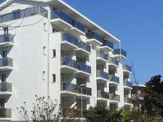 Romantic 1 bedroom Apartment in Torre Pedrera - Torre Pedrera vacation rentals