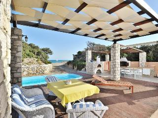 Maison Catherine close to Prassonisi with beach front pool ,BBQ and outdoor area - Lachania vacation rentals