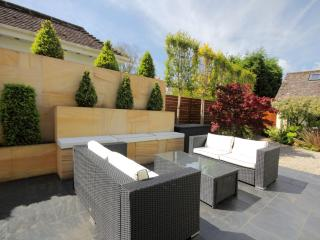 Perfect Bungalow with Television and Patio - Highcliffe vacation rentals