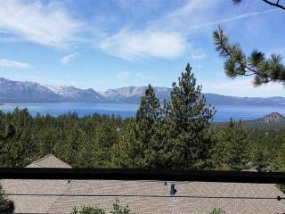 3 bedroom House with Hot Tub in Stateline - Stateline vacation rentals