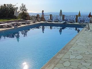 VILLA, SLEEPS 6, TERRACES, PANORAMIC VIEWS PRIVATE - Cabris vacation rentals
