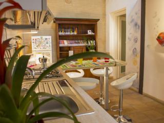 Appartamento Verde dei Buoni e Cattivi - Cagliari vacation rentals